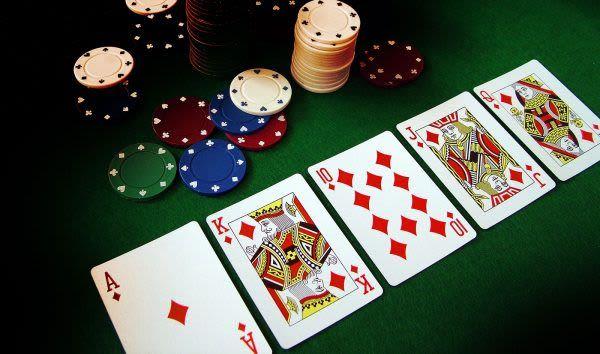 Học Luật & Cách chơi Mậu Binh online giỏi