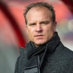 Arteta mời Bergkamp làm phó tướng