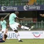Inter lại mất điểm dù dẫn trước