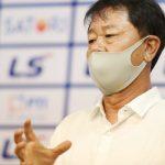 HLV TP HCM: 'Nếu là trọng tài, tôi sẽ không dám ra sân'