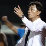 HLV Chung Hae-soung quát nạt cầu thủ TP HCM