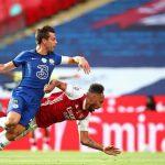 Cựu cầu thủ Chelsea tố Aubameyang lừa trọng tài