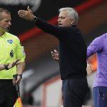 Mourinho chê đối thủ, mỉa trọng tài