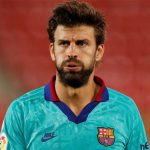 Barca và Napoli khủng hoảng trung vệ