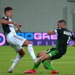 Ronaldo thoát thẻ đỏ sau cú vào bóng nguy hiểm