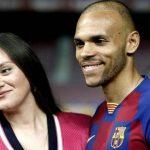 Braithwaite bị nghi ngoại tình khi liên lạc với Barca