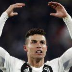 Ronaldo vào đội hình tiêu biểu Serie A