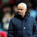 Mourinho: 'Tước chức vô địch của Man City trao cho Man Utd'