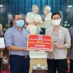 Cầu thủ Việt Nam quyên góp chống Covid-19