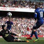 Petr Cech ngán nhất Rooney