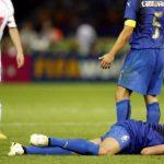 Materazzi: 'Tôi bị đồng bào ghét bỏ sau cú húc đầu của Zidane'