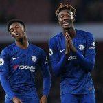 Tiền đạo Chelsea sợ lây nCoV cho gia đình