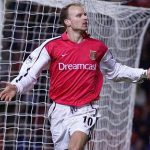 Bergkamp, Larsson muốn mua CLB Ngoại hạng Anh