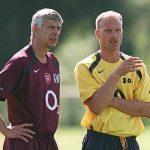 Bergkamp trách Wenger