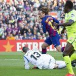 Barca san bằng cách biệt điểm với Real