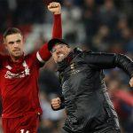 Liverpool lập hat-trick giải thưởng