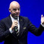 FIFA yêu cầu giảm lương cầu thủ