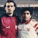 Maradona thương đồng đội phải đeo đồ giả