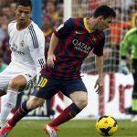 Messi nhận lương gần gấp đôi Ronaldo