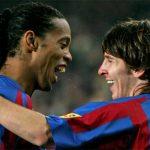 Messi chi tiền cứu Ronaldinho