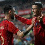 Ronaldo trêu chọc Bruno Fernandes