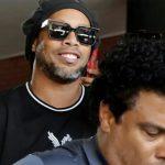 Cựu Chủ tịch Barca: 'Ai đó đã lừa Ronaldinho'