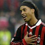 Ronaldinho từng xin đối thủ đừng phạm lỗi