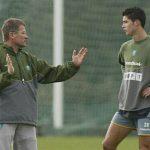 Ronaldo bớt 'biểu diễn' nhờ thầy cũ
