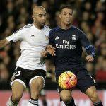 Neville: 'Ronaldo từng than ngọn cỏ quá dài'