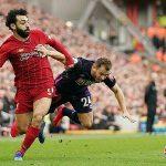 Salah vượt Suarez, Torres