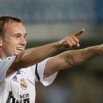 Sneijder: 'Ở Real, rượu là bạn thân nhất của tôi'