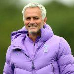 Mourinho đáp trả vụ bị chê không biết dùng Kane