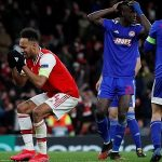 Thủ quân của Arsenal suy sụp