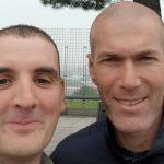 Zidane đâm xe bên ngoài sân tập Real