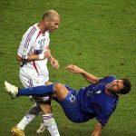 Materazzi nói gì khiến Zidane húc đầu?