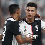 Ronaldo không đeo huy hiệu vinh danh