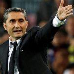 HLV Valverde hiểu sự bức xúc của CĐV Barca