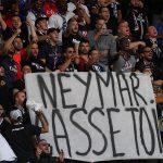 CĐV PSG gọi Neymar là 'đồ con hoang'