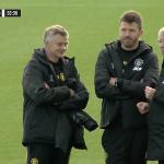Ferguson thăm sân tập Man Utd trước trận gặp Liverpool