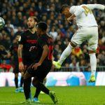 Casemiro đưa Real lên đỉnh bảng