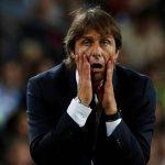 Conte chỉ trích trọng tài sau khi thua Barca