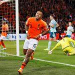 Depay đưa Hà Lan lên dẫn đầu bảng C