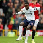 Cựu trọng tài: 'Man Utd quá may mắn với bàn thắng vào lưới Liverpool'