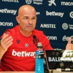 HLV Levante: 'Ngăn Messi là nhiệm vụ bất khả thi'