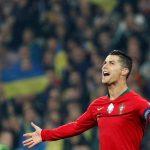 Ronaldo là một trong sáu cầu thủ có 700 bàn