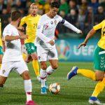 Ronaldo ghi bốn bàn cho Bồ Đào Nha