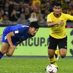 Cầu thủ Thái Lan chê mặt sân Malaysia