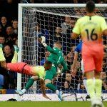 Man City thắng trên sân Everton