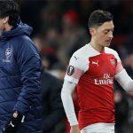 Emery: 'Có nhiều cầu thủ xứng đáng hơn Ozil'