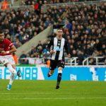 Neville: 'Man Utd sẽ ổn hơn nếu còn Fellaini'
